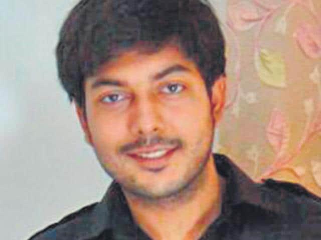 Rohit-Yadav-son-of-former-ACP-Delhi-Police-Rajbir-Singh-who-was-shot-dead-in-Gurgaon-in-2008