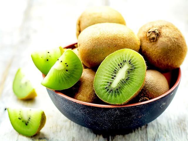 Kiwi-enhances-your-vitality-increases-immunity-and-alleviates-sluggishness-Shutterstock-image