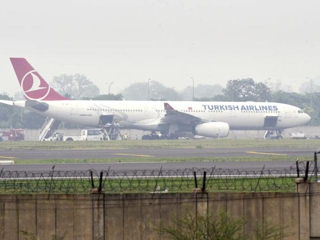 Turkish-Airlines-aircraft-parked-at-an-isolated-area-after-its-emergency-landing-due-to-a-bomb-threat-at-T-3-of-the-IGI-Airport-in-New-Delhi-Vipin-Kumar-HT-Photo