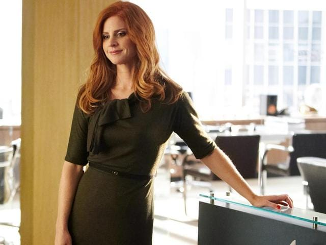 Sarah-Rafferty-as-Donna-Paulsen-in-a-still-from-Suits-USA-Network