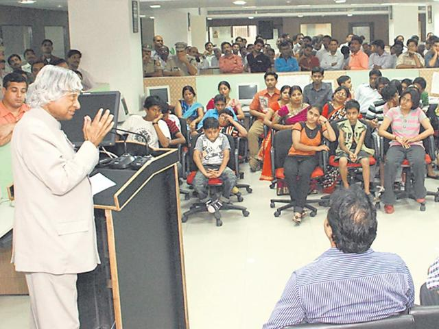 Former-president-Dr-APJ-Abdul-Kalam-interacts-with-HT-employees-HT-photo