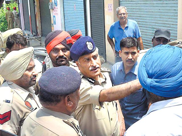 Punjab-DGP-Sumedh-Singh-Saini-centre-a-veteran-of-Punjab-militancy-has-been-on-the-hit-list-of-Khalistani-terrorists-Sameer-Sehgal-HT-file-photo