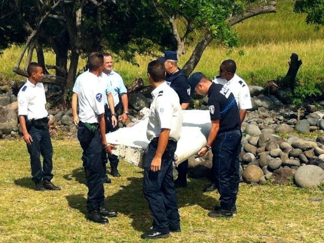 MH370 missing plane,Aviation,Plane debris