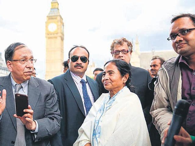 Bengal CM visits UK,Mamata Banerjee invites PM David Cameron,London