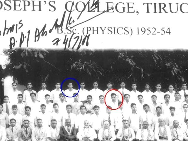 Writer-Sujatha-blue-circle--and-APJ-Abdul-Kalam-red-circle-were-classmates-in-the-BSc-course-at-Trichy-s-St-Joseph-s-College