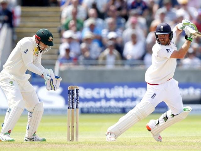 Ian-Bell-dropped-on-20-by-Australia-captain-Michael-Clarke-made-his-second-50-of-the-match-to-spark-raucous-celebrations-after-Joe-Root-hit-the-winning-runs-in-the-third-Ashes-Test-at-Edgbaston-on-July-31-2015-Reuters-Photo