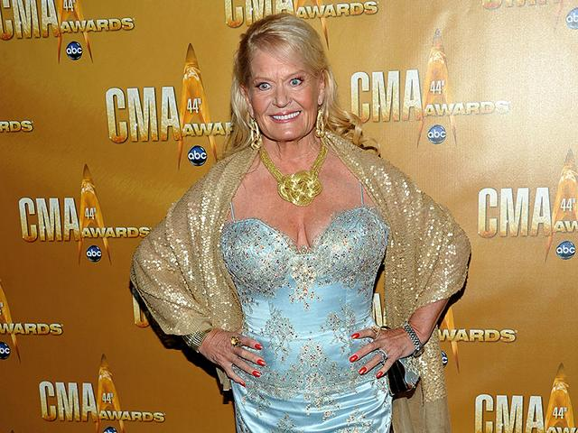 Lynn Anderson is no more,Grammy-winning song Rose Garden,If I Kiss You