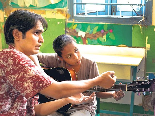 A-still-from-the-upcoming-documentary-Lyari-Notes-which-follows-four-Pakistani-girls-as-they-study-music-amid-bomb-blasts-and-family-opposition