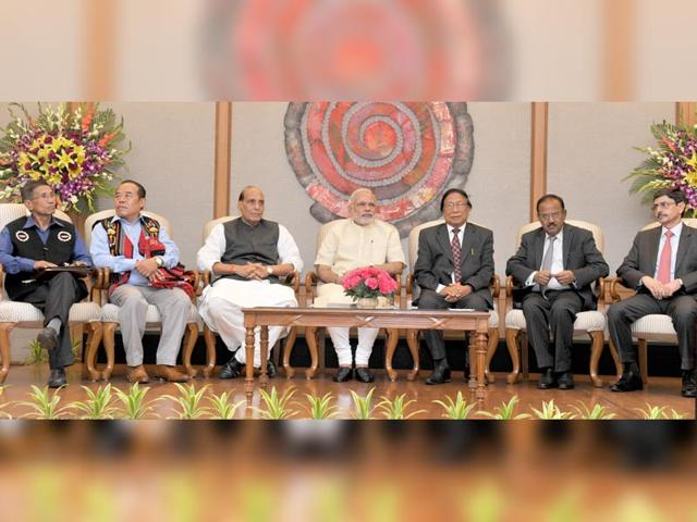 Prime-Minister-Narendra-Modi-with-Union-home-minister-Rajnath-Singh-Chairman-of-NSCN-IM-Isak-Chishi-Swu-NSCN-IM-General-Secretary-Thuingaleng-Muivah-NSA-Ajit-Doval-and-others-at-the-signing-ceremony-of-historic-peace-accord-between-Government-of-India-amp-NSCN-in-New-Delhi-on-Monday-PTI-Photo
