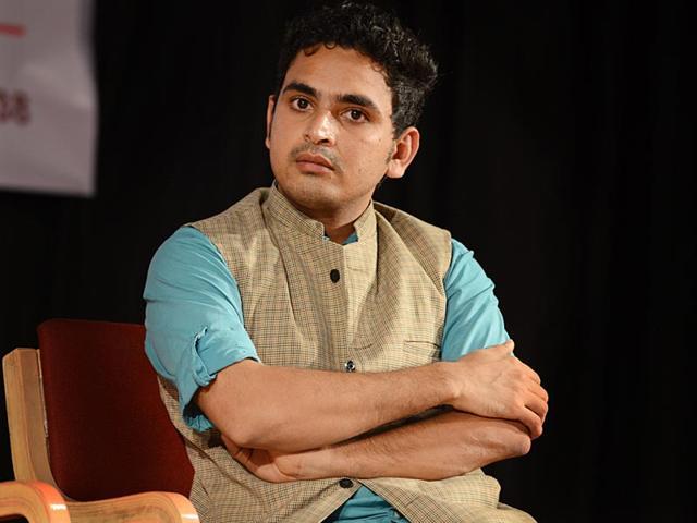 Swargada-Hadialli-Kamaruthiruva-Kanasagalu-s-director-TV-journalist-Irshad-Uppinangady-HT-Photo