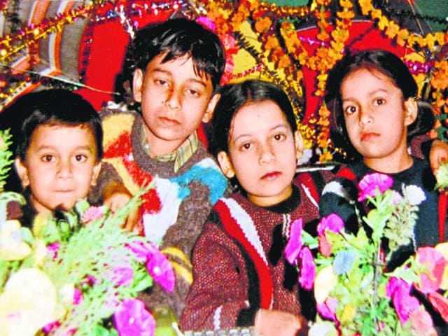 Salman-with-his-siblings-File-Photo