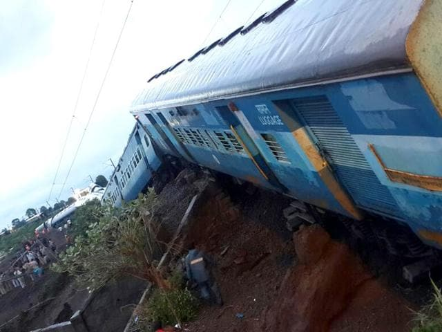 Indian Railways has announced a compensation of Rs 2 lakhs to the next of the kin of the deceased and Rs 50,000 to grievously injured in the accident. (HT Photo)