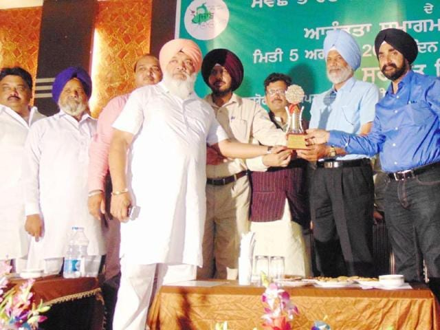 Punjab-water-supply-and-sanitation-minister-Surjit-Singh-Rakhra-launching-the-Swachh-Bharat-Mission-Gramin-in-the-Ferozpur-district-at-a-function-organised-by-the-water-supply-and-sanitation-department-HT-Photo