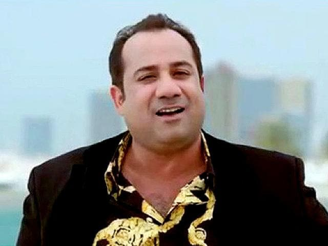 Rahat-Fateh-Ali-Khan-has-won-Filmfare-Award-for-best-male-playback-singer-in-2011-for-the-song-Dil-To-Bachcha-Hai-Ji-from-the-movie-Ishqiya-Many-of-his-renditions-are-popular-chartbusters-in-Hindi-movies-both-in-India-as-well-as-in-Pakistan-Picture-from-www-rahatfatehalikhan