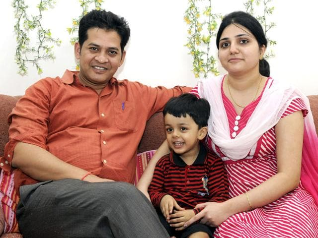 Dr-Anand-Rai-with-his-wife-Dr-Gouri-and-child-Shankar-Mourya-HT