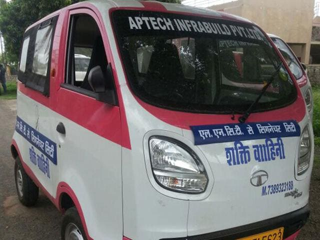 Shakti-Vahini-cab-service-was-launched-by-Aptech-Infra-HT-photo