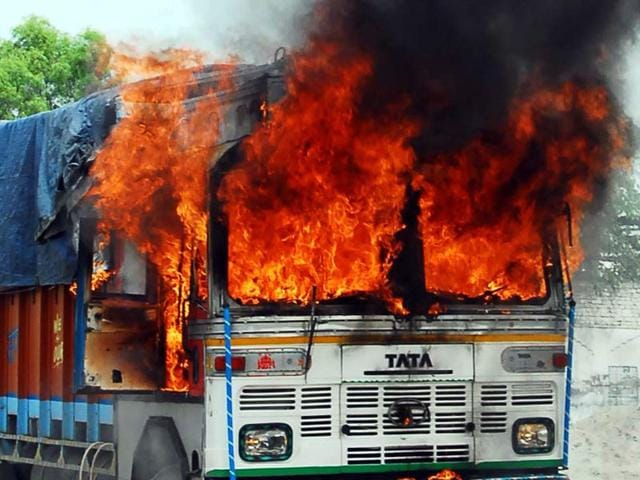 Angery-crowds-burn-truck-after-an-accident-near-Grain-Market-Bathinda-on-Sunday-Photo-by-Sanjeev-Kumar-HT