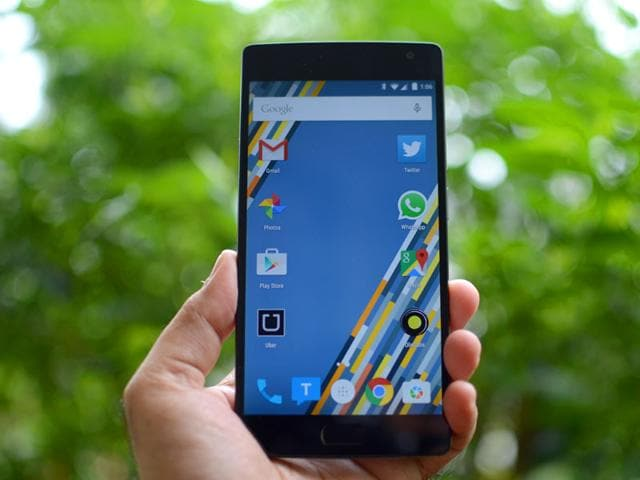 The-OnePlus-2-has-been-pegged-as-the-2016-flagship-killer-Tushar-Kanwar-HT-Photo