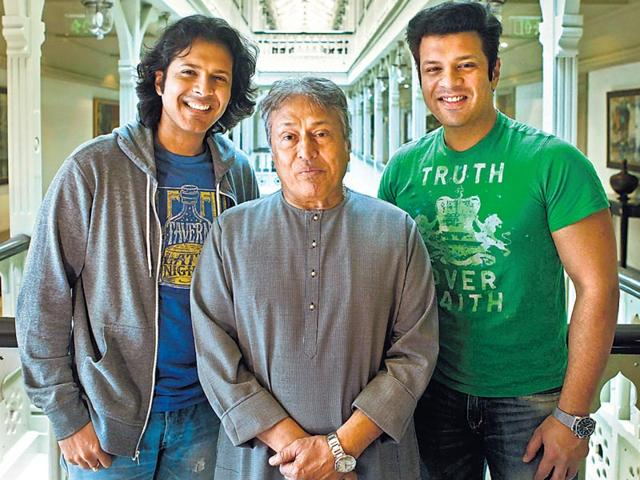 Ayaan-Ali-Khan-left--alongwith-Ustad-Amjad-Ali-Khan-and-brother-Amaan-Ali-Khan-Arijit-Sen-HT-Photo