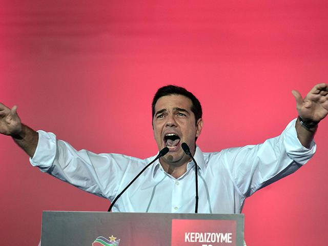 Radical left Syriza leader Alexis Tsipras addressing his party's main pre-election rally in central Athens Syntagma square. (AFP Photo)