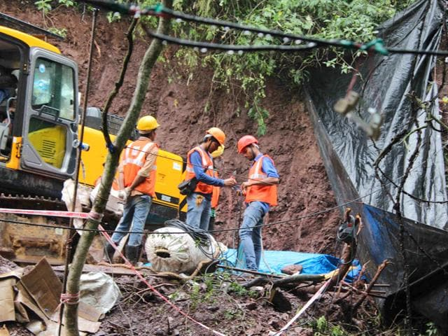The two labourers were rescued after being trapped in a tunnel for 9 days in Bilaspur district of Himachal Pradesh. (HT Photo)