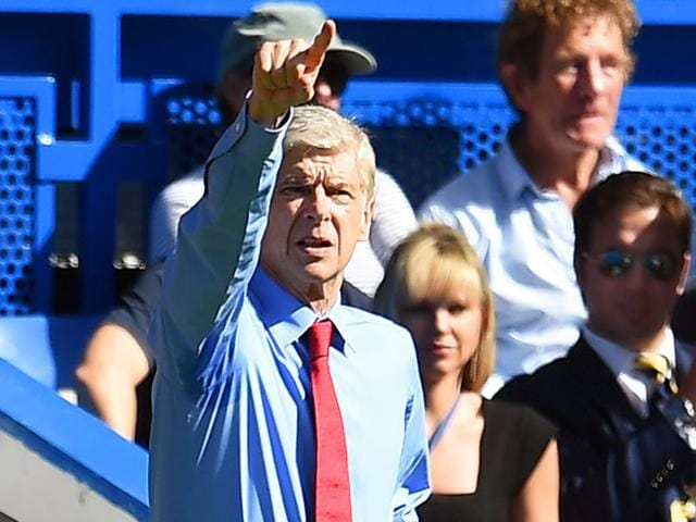 Arsenal manager Arsene Wenger during the English Premier League match against Chelsea at Stamford Bridge, London, on September 19, 2015. The nine-man Arsenal squad lost the match 0-2. (EPA Photo)
