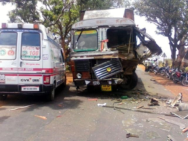 The-truck-that-hit-the-jeep-on-outskirts-of-Agar-town-HT-photo