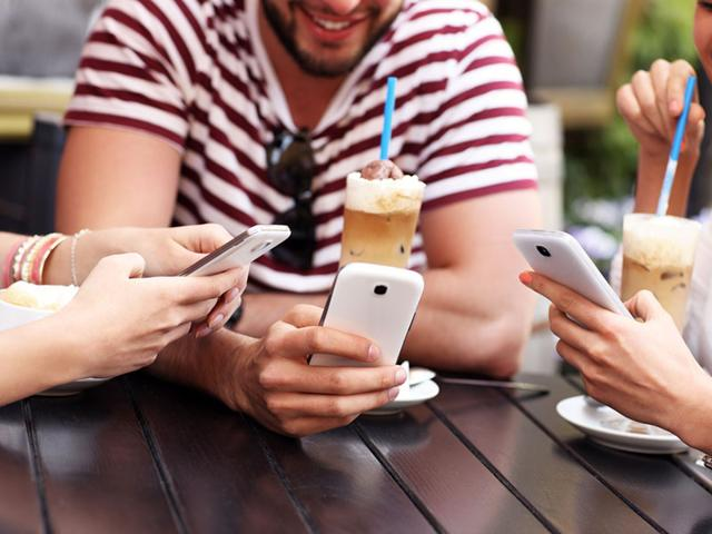 Excess smartphone use can also dampen your creativity. (Shutterstock photo)