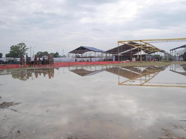 Even venue for Union minister Arun Jaitley visit to Amritsar was drowned under rain water. Sameer Sehgal/HT