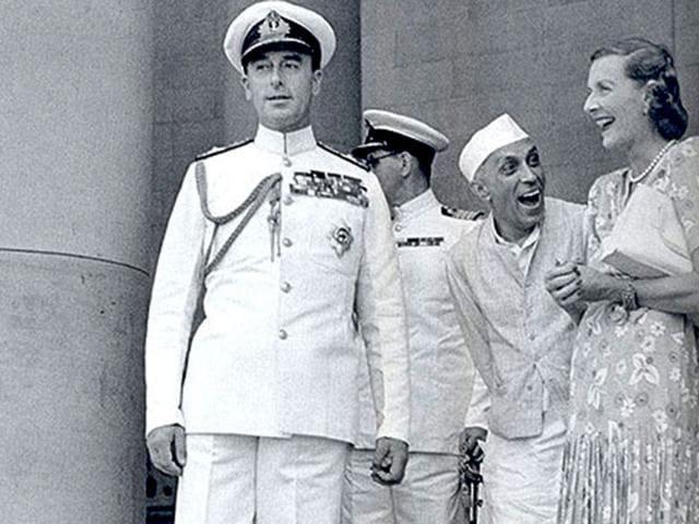 Shashi Tharoor tweets on Nehru