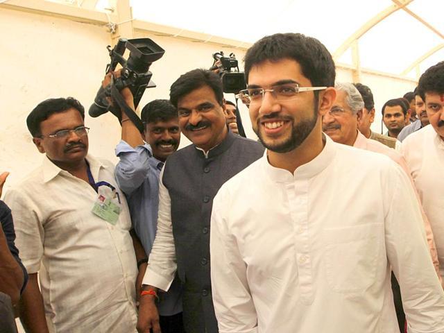 Aaditya Thackeray arrives at the Vidhan Bhavan to meet the Maharashtra education minister Vinod Tawde, in Mumbai. (Kunal Patil/HT photo)