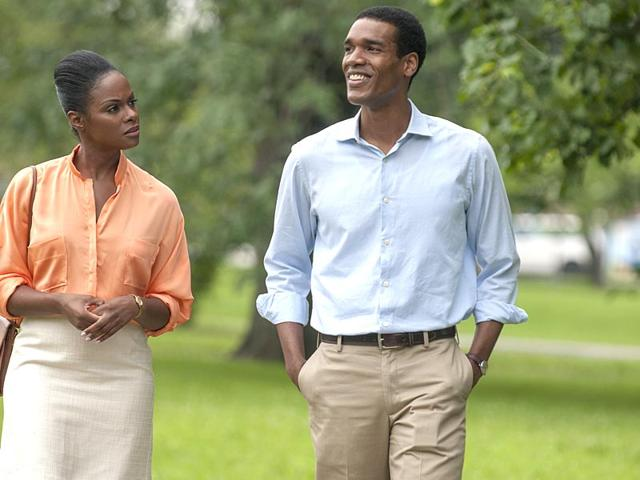Barack Obama romances Michelle Robinson in the first images from Southside With You. (THR)
