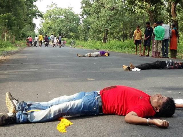 Bodies of policemen who were abducted and killed by Maoists in Bijapur district in Chhattisgarh. HT Photo
