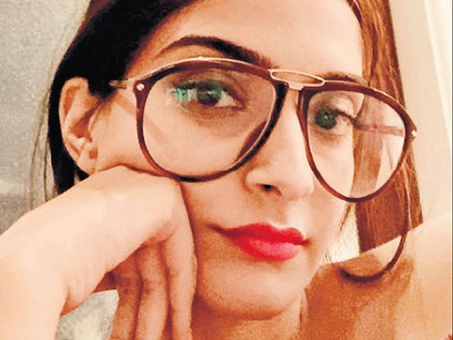Here's why Sonam Kapoor was scared to work with Hrithik Roshan