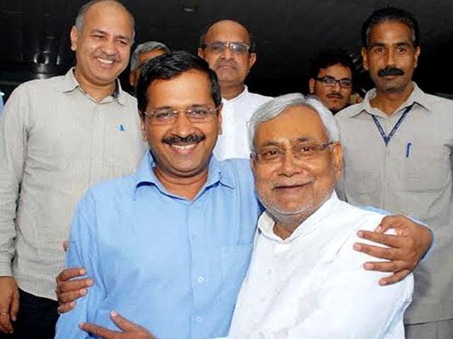 Bihar CM Nitish Kumar with his Delhi counterpart Arvind Kejriwal. (Delhi government handout photo)