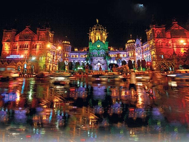File photo of CST. How can you not love Mumbai? The most glorious thing about it is that we are girdled by water. (HT photo)