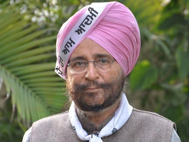 APP leader Dr Daljit Singh in Amritsar on Thursday. July 16 2015 (Sameer Sehgal/HT)