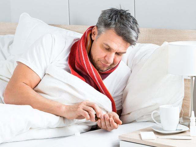Consuming antidepressants and painkillers together can cause heavy bleeding. (Shutterstock photo)