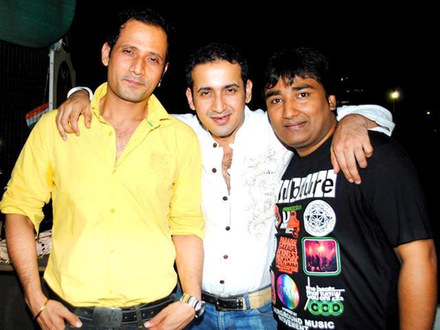 The trio of Meet Brothers Anjjan have given big hit songs such as Baby Doll, Hangover and Chittiyaan Kalaiyaan.