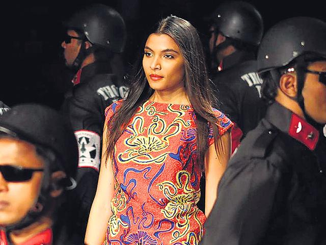 Designer Narendra Kumar took a stand against cops, who had tried to suppress people protesting against the callous attitude of the police in the 2012 Delhi gang rape case. (HT photo)