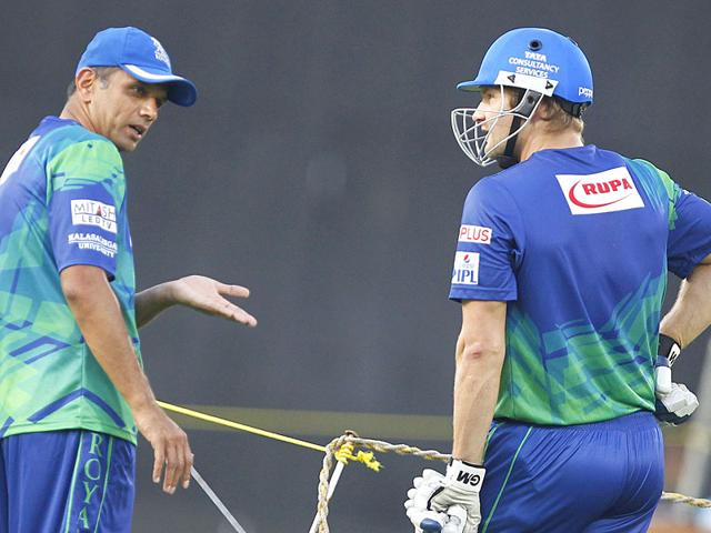 Shane Watson (R) listens as Rahul Dravid (L) makes a point during a Rajasthan Royals practice session at Brabourne stadium in Mumbai, India, on May 15, 2015. Dravid says despite the Justice Lodha commitee verdict, there will be people who will try to harm the game and
