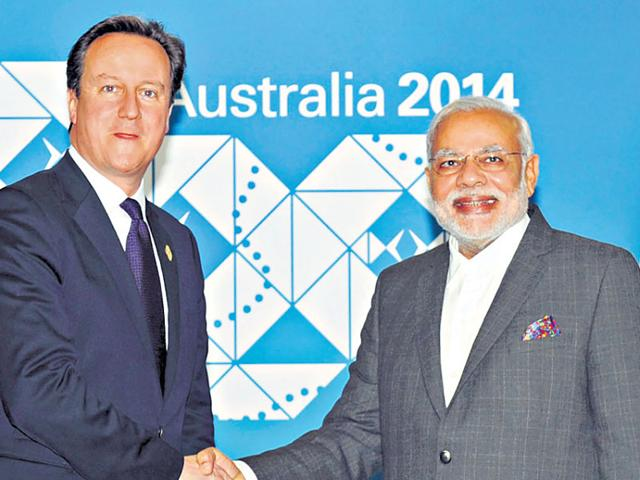 PM Narendra Modi and his UK counterpart David Cameron (left) will hold a meeting on a cruise along the Thames. (PIB File)