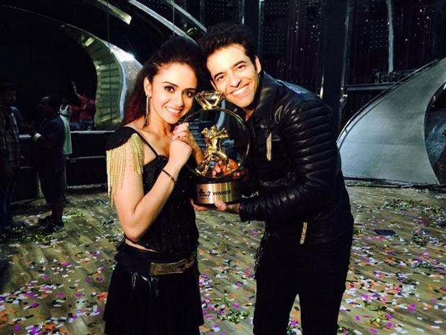 Himmanshoo-Amruta win the Nach Baliye 7 trophy. (PR Agency)