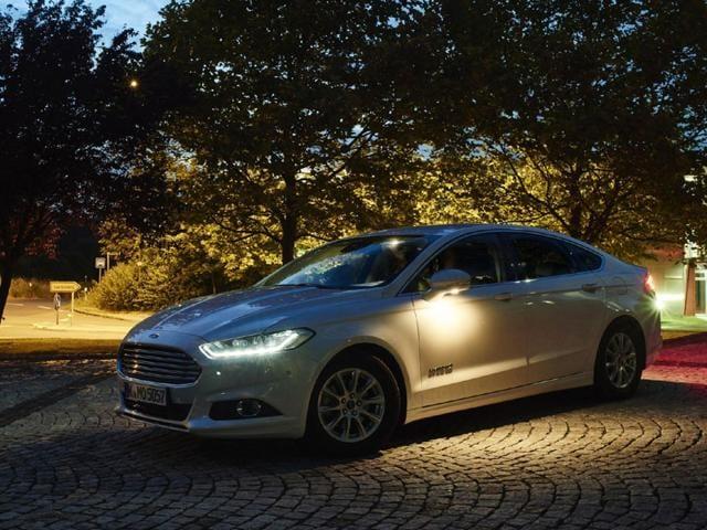 Smart headlights,Ford,headlight technology