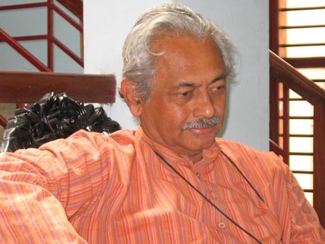 Girish Kasaravalli is a celebrated Indian filmmaker known for his films like Mane, Ghatashraddha, Tabarana Kathe, Gulabi Talkies and Dweepa.