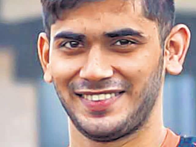 21-year-old U Mumba Pro-Kabaddi League (PKL) player Onkar Jadhav chose Kabaddi over the chance to appear in a Marathi movie last year. (HT Photo)