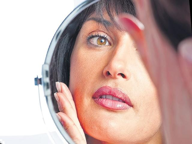 Keeping your skin free of clogged oil can significantly help avoid open pores. We tell you how.