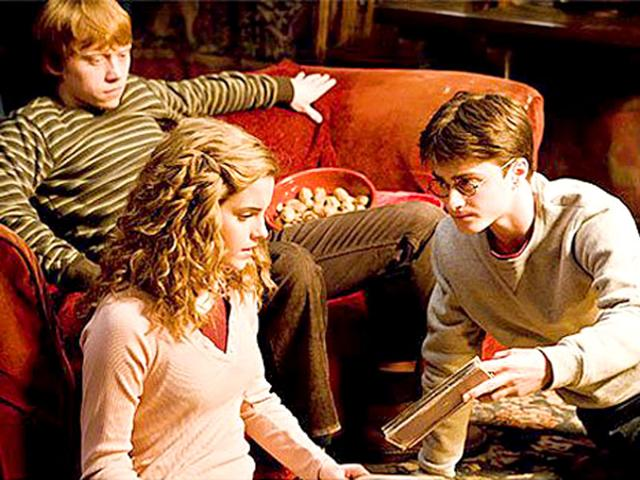Harry Potter movie director Chris Columbus has expressed his desire to make a new Harry Potter movie, not the Fantastic Beasts and Where to Find Them but the 19-year-span of Harry's life which was fast-forwarded in the last book.