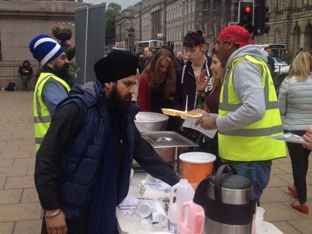 UK based Guru Nanak's free Kitchen servies food to the homeless. Photo Credit Facebook