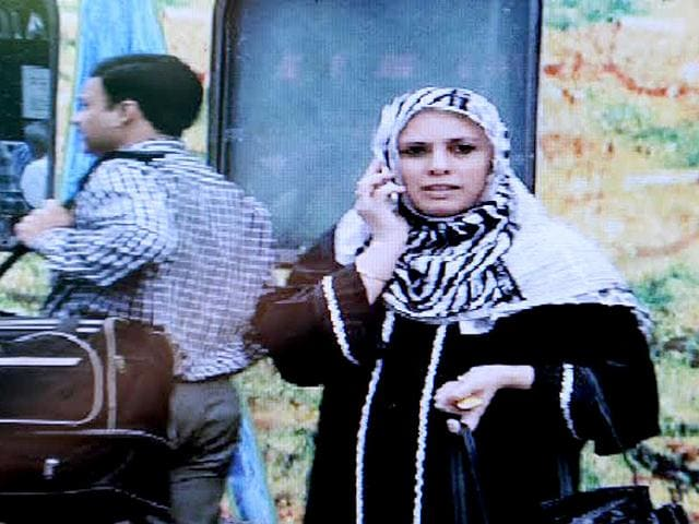Yakub Memon's wife Raheen and family arrived in Nagpur by the Duronto Express from Mumbai and approached the jail authorities to meet Memon. (HT photo: Sunny Shende)